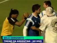 Lionel Messi poznał sobowtóra Ronaldinho na treningu!
