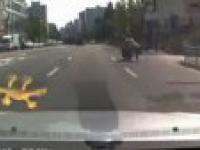 Uciekający motocyklista kontra zawzięty policjant
