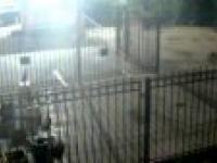 Jak otworzyć zamkniętą bramę po pijaku
