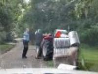 Policjant kontra pijany traktorzysta