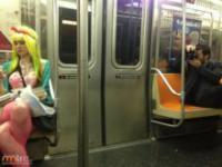 Dziwni ludzie w metrze