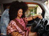 Kobieta z największym afro