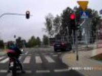 Motocykl vs TIR i reakcja Łódzkiej Policji na wykroczenie.