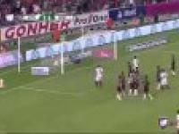 Still got it! Ronaldinho znowu czaruje - piękne trafienie w Meksyku
