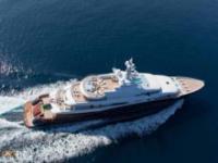 Wielki luksusowy jacht