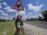 Drzemka w samochodzie w Afryce to zły pomysł