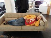 Dlaczego lepiej nie zasypiać w pracy?