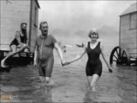 Wypad na plażę sto lat temu