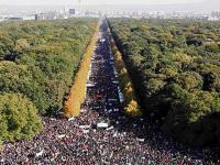 W Niemczech 250 tysięcy osób protestuje przeciw imigrantom. A w polskich mediach cisza...