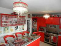 Kobieta przekstałciła swój dom w świątynie Coca-Coli