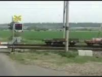 Ludzie pchają lokomotywę