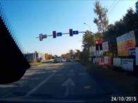 Motocykliści łamią przepisy i spotyka ich szybka karma
