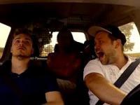 Perfidna Pobudka w Samochodzie ツ