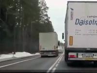 Zawodowi kierowcy wyprzedzają
