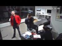 Kradzież laptopa w sklepie - Jelenia Góra [20.11.2015]
