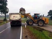 Jak nie ładować kamienia na ciężarówkę