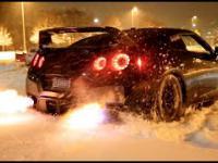 Nissan GTR i zabawa w śniegu. Prawdziwe Carbonners.
