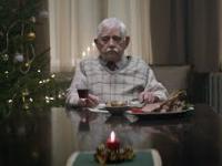 Poruszający film o samotności w święta mimo posiadania własnej rodziny