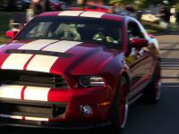 Shelby GT500 vs nowiutki pick-up