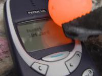 Nokia 3310 VS gorąca kula