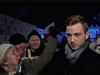 Reporter TVP Info poturbowany podczas smoleńskiej miesięcznicny