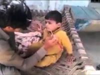 Golenie brzytwą młodego dzieciaka.