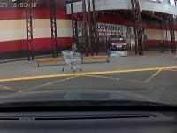 Wózek atakuje