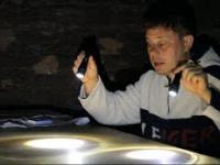Jak wzmocnić światło latarki?