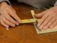 Jak łatwo naostrzyć nóż. Na odwrót i papierem ściernym