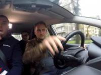 Ben Collins próbuje zdać polski egzamin na prawo jazdy