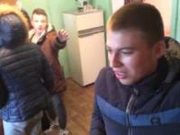 Rodzice wyjechali na weekend, więc ruskie gimby się bawią
