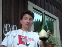 Otwieranie szampana w nietypowy sposób