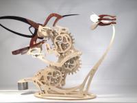 Kinetyczna rzeźba symulująca ruch kolibra w locie