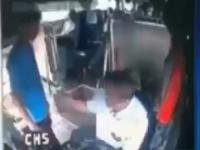Kierowca autobusu kontra imigrant