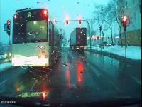 Mocno pośpieszny autobus