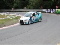 Bardzo szybki kierowca w EVO X RS