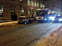 Źle zaparkowany samochód blokuje przejazd? Oto jak radzą sobie z tym w Norwegii