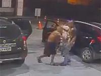 Uzbrojone dzieci kradną samochód parze w Brazylii