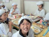 Jak w japońskiej szkole wygląda przerwa obiadowa