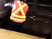 Porażenie prądem w metrze