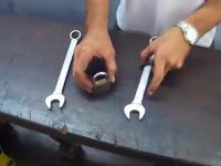 Otwieranie kłódki bez klucza
