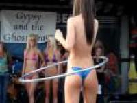 Konkurs bikini + hula hoop