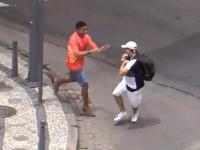 12-minutowy film, w którym przechodnie są okradani w Rio de Janeiro