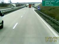 Kompletny idiotyzm na autostradzie