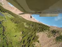 Zarybianie ciężko dostępnego jeziora przy użyciu samolotu