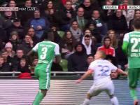 Skandaliczne zachowanie i gest piłkarza Werderu - Islamisty