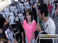Niewinne zdjęcia kompletnie zmienione przez logo Brazzers