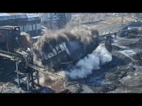 Wyburzanie zbiornika na węgiel w kopalni KWK ANNA w Pszowie