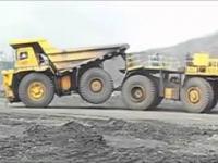 Pojedynek ciężarówek kopalnianych: BelAZ i CAT vs chińska WTW220E