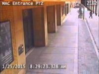 Facet chory na schizofrenie paranoidalną atakuje przypadkowych ludzi